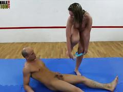 Big butt mistress faccesitting mixed wrestling
