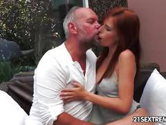 Jackpot redhead - hardcore sex video