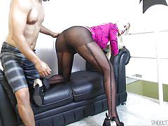 Beautiful tranny has her asshole fingered
