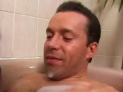 Schoko maus mit riesen titten in der badewanne gehaemmert,big tits,black,white guy,german