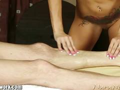 Masseuse give head after massage