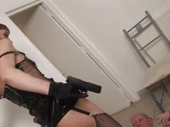 Curvy pornstar takes position for a severe doggystyle fuck