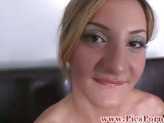 Casting de tetona mamando una verga