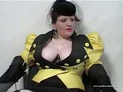 Beautiful depraved slut fuck in waiting room