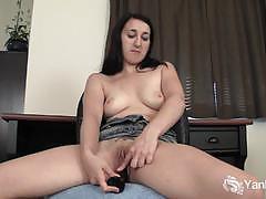 Sexy amateur brunette slut dildos her pink cunt