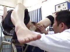 Schoolgirl misused by gynecologist 2