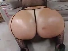 Besame mama, hot muslim ass