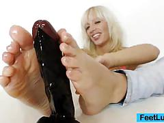 Kinky blonde bella morgan sweet foot