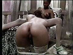 White lesbo licks black pussy