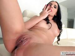 Flexible pussy pulsates from internal cumshot