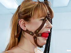 Blonde gives her girl a shocking treatment