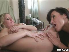 Busty brunette likes to be fingered
