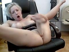 Toying herself on webcam