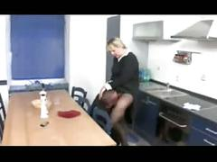 Hausfrauen bei der arbeit -3-