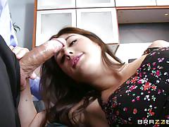Slut deeply examined by her doc