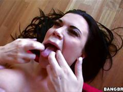 Gorgeous jasmin wants it in her mouth