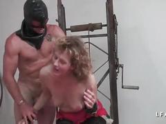 Mature francaise esclave grave corrigee dans un jeu bdsm