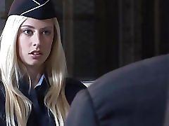 Française blonde se tape son supérieur baise hard et anal