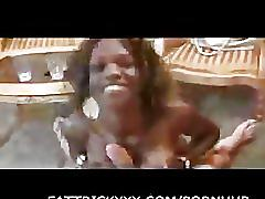 Sweet black girl doing blow job 6