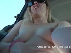 Masturbation en voiture avec camgirl francaise exhibition