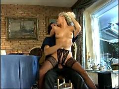 Geile deutsche blondine durchgefickt teil 3