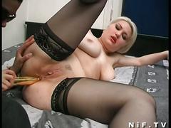 Hot brunette and sexy blonde fist their clams