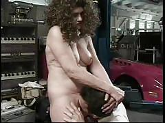 Fat mature lady sticks his face in her cunt