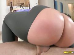 Big booty hoe julie cash fucks nice