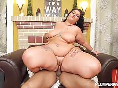 Diana nicole in loves the cock at plumper pass