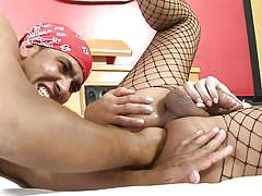 Shemale in fishnets gets her hole stretched