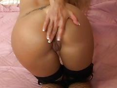 Blonde with hot ass fucks older guy