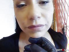 Lara tinelli gets her pussy toyed for squirting.