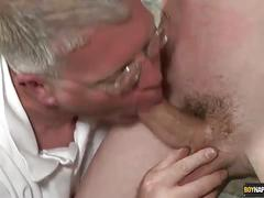 Tied twink sucked by shameless daddy