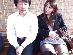 Japanese slut meets nice guy in the park