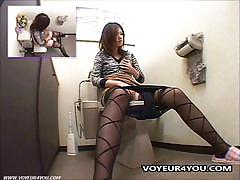 Cute japanese babe finger fucks her hairy beaver.