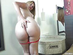 Hot ass tranny feels horny