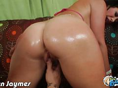 Curvy brunette jayden james sits on a dude's face