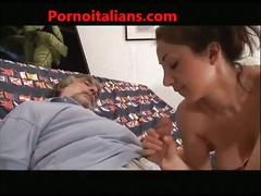 Family (simulated) italian  family (simulated)o italiano figlia tettona fa pompino al papa' cazzo grosso