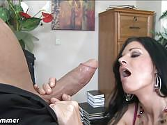 Tempting chick india summer loves giving blowjobs