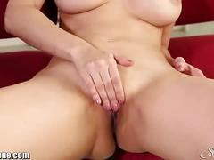 Stunning sunny leone rubs her clit