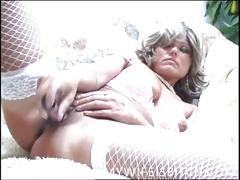 Amateur wife with big toy acttack
