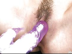 Japanese lady gets a vibrator in her cunt and squirts