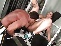 Trainer fucks his chubby whore