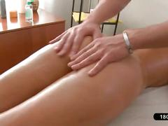 Beauty gets a sensual fingering and pussy massage