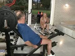 Teen with tight body screwed at the gym