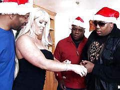 Black thugs get a mommy for christmas