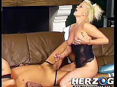Two german milfs on one guy in retro porn