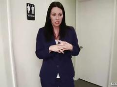 Clubtug-sexy milf gives you a pov hanjob