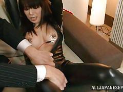 Japanese milf in latex gets her nipples shocked