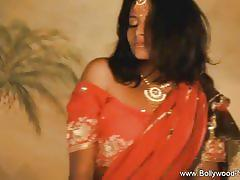 Gorgeous indian slut's alluring solo